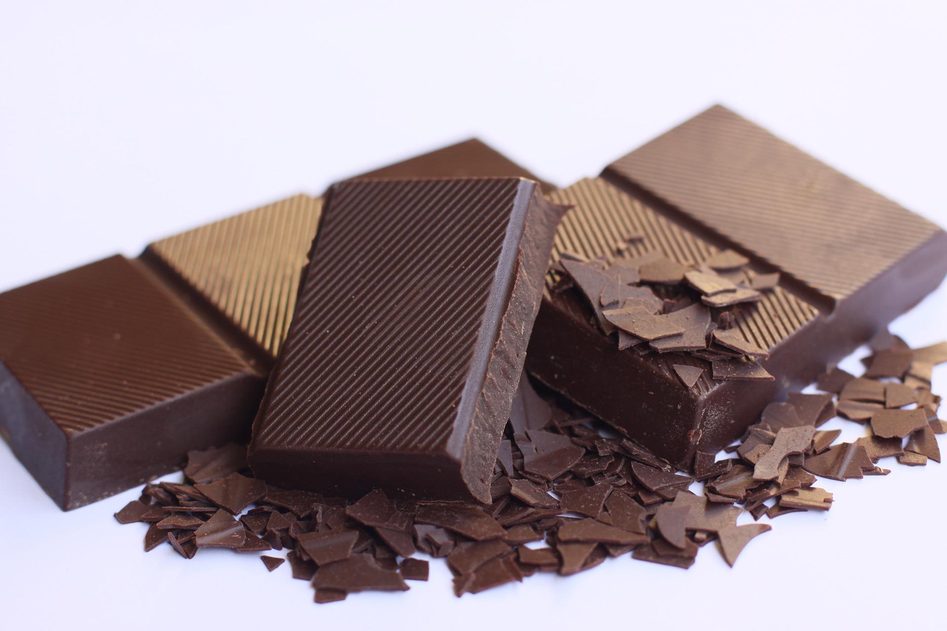 Două rețete fabuloase cu ciocolată: Vegan Lava Cake și Brownie cu Năut
