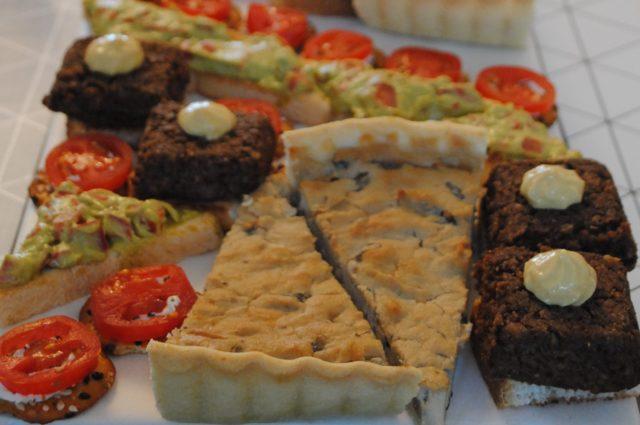 Masă vegană pentru prieteni omnivori – Meniu și rețete