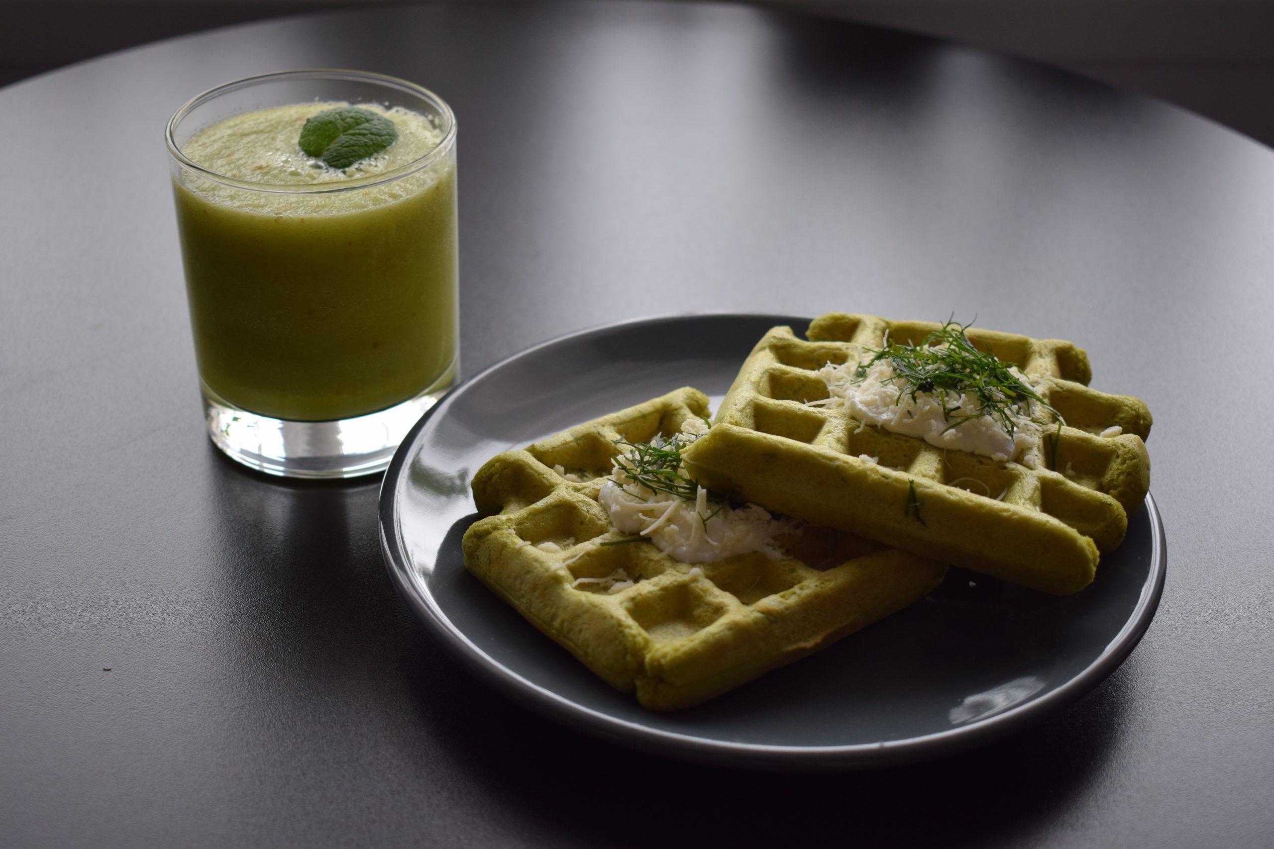 Waffe sărate și smoothie refresh – Rețete
